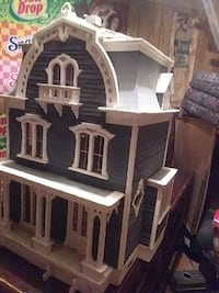 Wooden 3 story doll house Roanoke