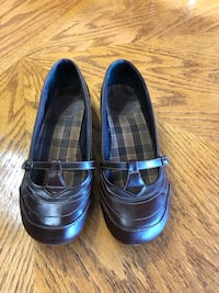 Women's Brown Slip-On Shoes: Size 8.5