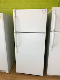 GE white top freezer refrigerator  Woodbridge, 22191