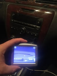 Tomtom one and a tomtom xxl don't stay charged but still works  Watertown, 13601