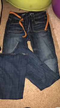 american eagle wide bottom jeans with belt Grosse Pointe Woods, 48236