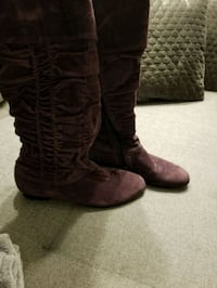 pair of brown leather boots Calgary, T2J 7E7