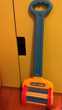 yellow and blue Otter Box iPhone case Арлингтон, 22204