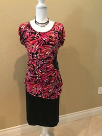 Fuschia and black floral scoop-neck blouse Clute, 77531