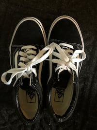 Women's 'old Skool' vans Calgary, T2P 0P9