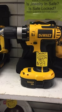 dewalt drill and carrying bag  Temple Hills, 20748