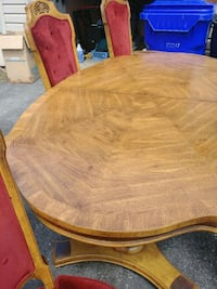 Dining room table 6 chairs  Germantown, 20876