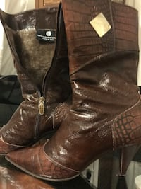 pair of brown leather cowboy boots Woodbridge, 22193