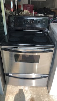 black and gray induction range oven 马卡姆, L3R 3N4
