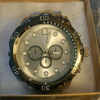 Men's jumbo watch. Cambridge, N1R 1L1