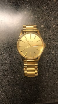 Nixon The Sentry SS Gold watch