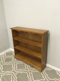 Maple bookcase Abbotsford, V2T 2H4