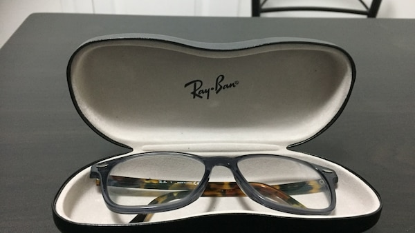 Ray-ban eyeglasses (brand new) Used only once. You can change the lenses to fit your needs