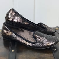 BCBG Max Azria Grey Metallic Flats EUC 6.5 $30 firm