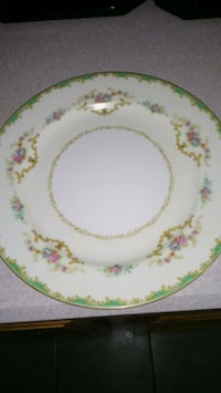 white and yellow floral ceramic plate Mesa, 85205