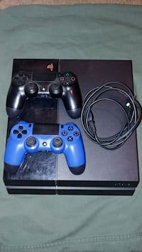 black Sony PS4 console with two controllers Lake Ridge, 22192