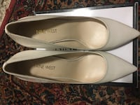 pair of white Nine West leather pointed-toe flats with box Toronto, M9A 4L3