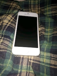 White iPhone 5s negotiable  Thorold, L2V 4V2