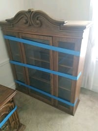 Wood china cabinet/shelf storage... Oak Park, 60304