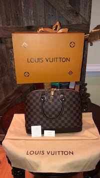 Louis Vuitton Silver Spring, 20906