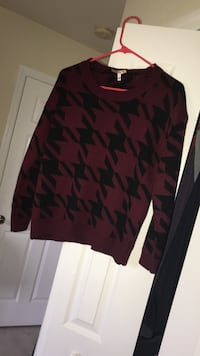 maroon and black sweater Cape Coral, 33993