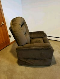brown fabric recliner sofa chair Johnstown, 15904