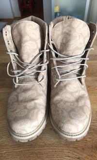 Ladies size 10 Timberlands with Paisley print, worn once Winnipeg, R3C 1Y3
