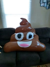Big turd floats Knoxville, 37917
