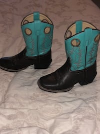 Pair of teal -and-brown leather cowboy boots Edinburg, 78542