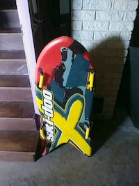 yellow and black snowboard with bindings Sherbrooke, J1C 0A1