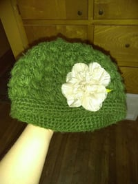 green and white floral knit cap Amarillo, 79108