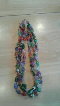 Green, purple, and pink beaded necklace Modesto, 95355