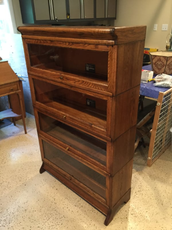 Antique Oak Barrister Bookcase - Excellent Condition! df326da5-c9f6-45c8-9f89-3f83a329cbd4