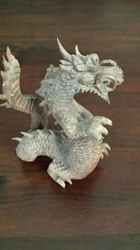 "20"" wooden dragon carving 1196 mi"