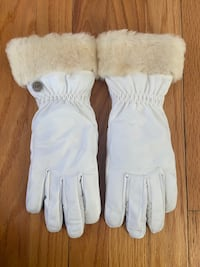 Authentic White UGG Gloves Chicago, 60618