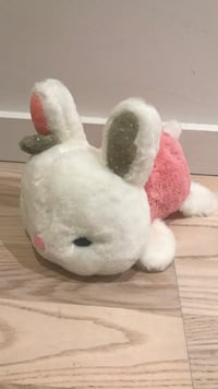 white and red bear plush toy 蒙特婁, H3A 2J2