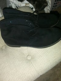 Gap Black Chukka boots