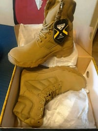 ARMY boots. SIZE 9