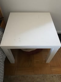 Side table / kid table