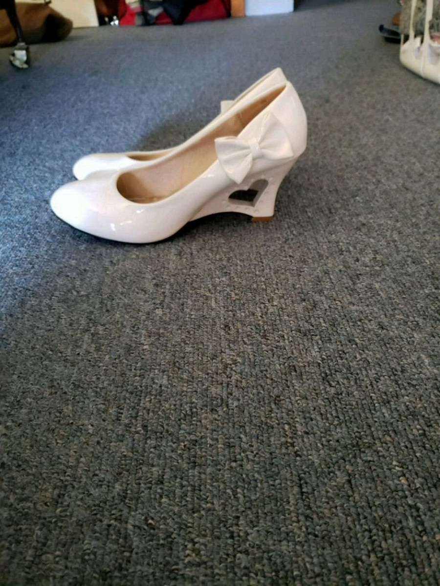 Photo White women heels