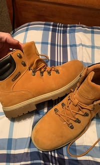 Lugz, Leather boots never worn.