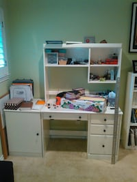 Desk and headboard. Make an offer! Dallas, 75248