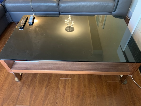 Mobler coffee table  7e407cca-039d-4ae8-9482-22a279836d23