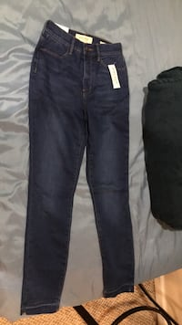 two black and blue denim jeans Damascus, 20872