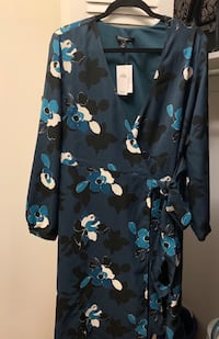 Black and blue floral print dress Alexandria, 22304