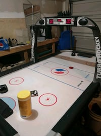 Air hockey table 4x8 ft   everything works score board and sound ,time Calgary, T2A