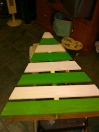 green and white wooden table 1106 mi