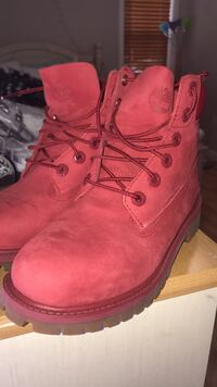 Pair of red timberland work boots Boston, 02119