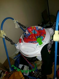 baby's white and blue jumperoo Gatineau, J8T 2W6