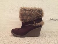 Brown-and-gray fur-line wedge boots Sidney, V8L 4J7